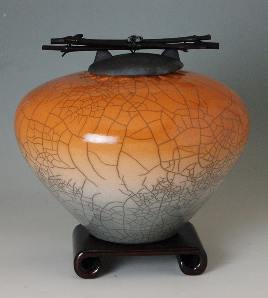 Cremation urn lid security